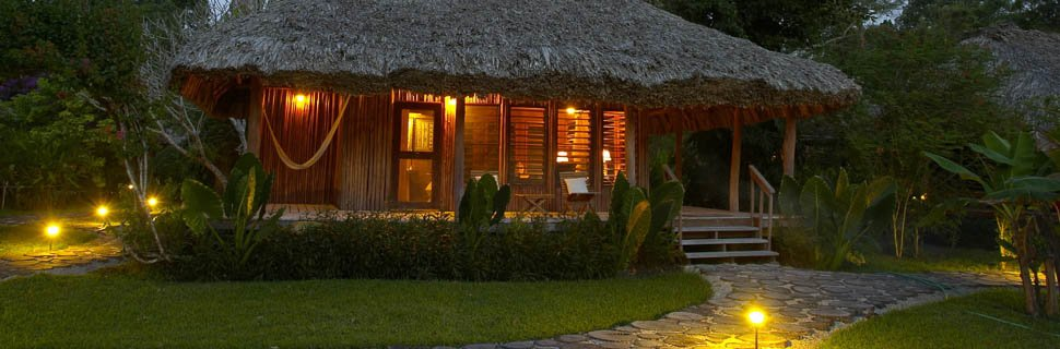Chan Chich Lodge bei Nacht in Belize